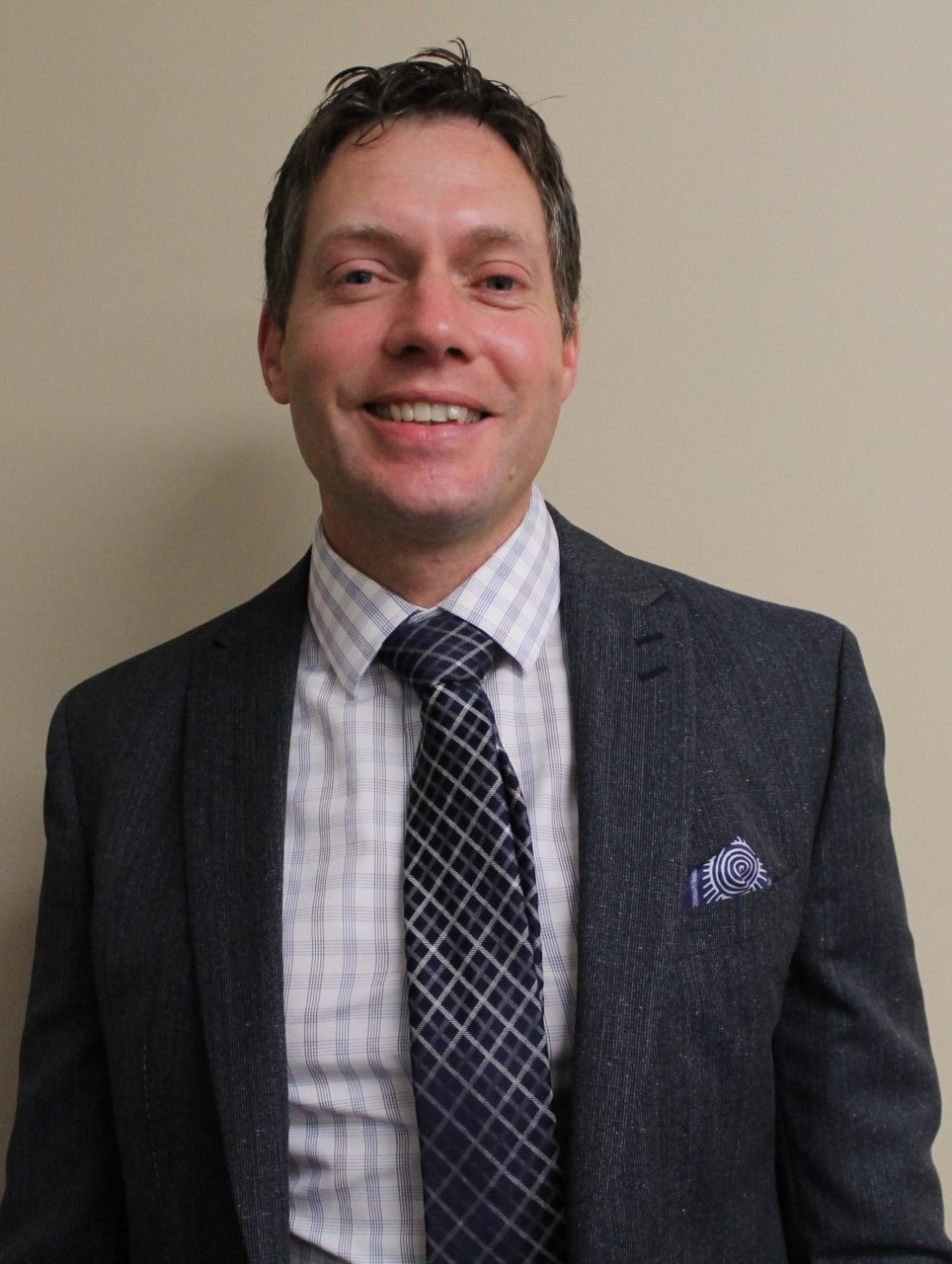 Dr. Darren Costain